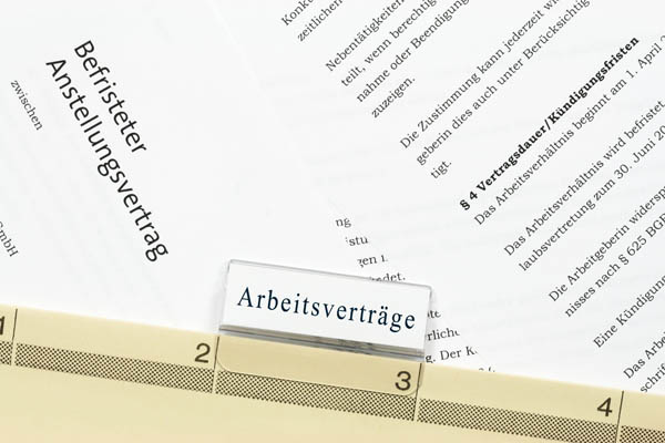 http://www.wkdis.de/aktuelles/images/aktuelles-arbeitsvertrag_personal.jpg