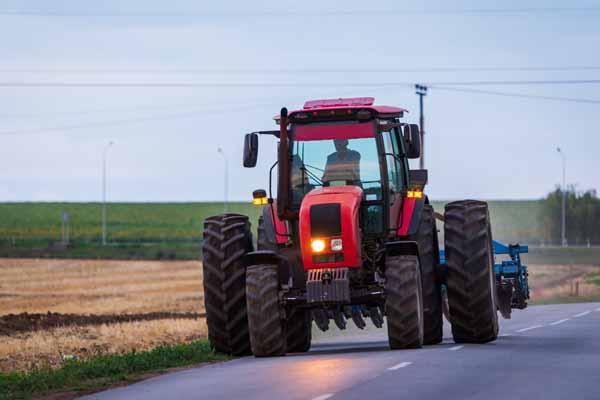 http://www.wkdis.de/aktuelles/images/aktuelles-landwirtschaftliches_gespann.jpg