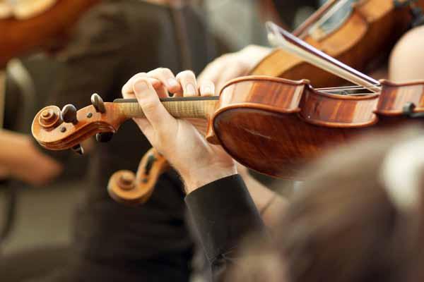 http://www.wkdis.de/aktuelles/images/aktuelles-violine_orchester.jpg